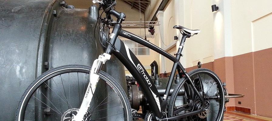 Ein Bike auf der Ausstellung der Bau- und Immobilienmesse in Worms