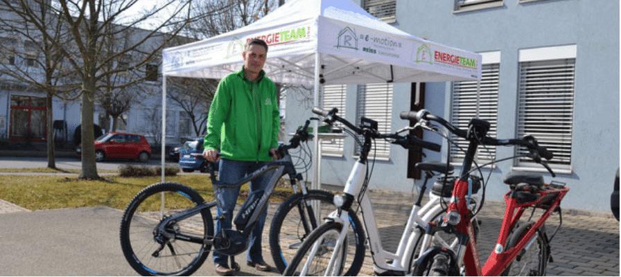 e-Motion Mitarbeiter mit e-Bikes