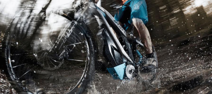 e-Bike Antrieb in Pfütze