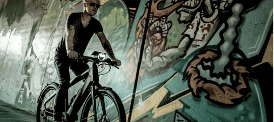 Mann fährt auf e-Bike Winora Radar