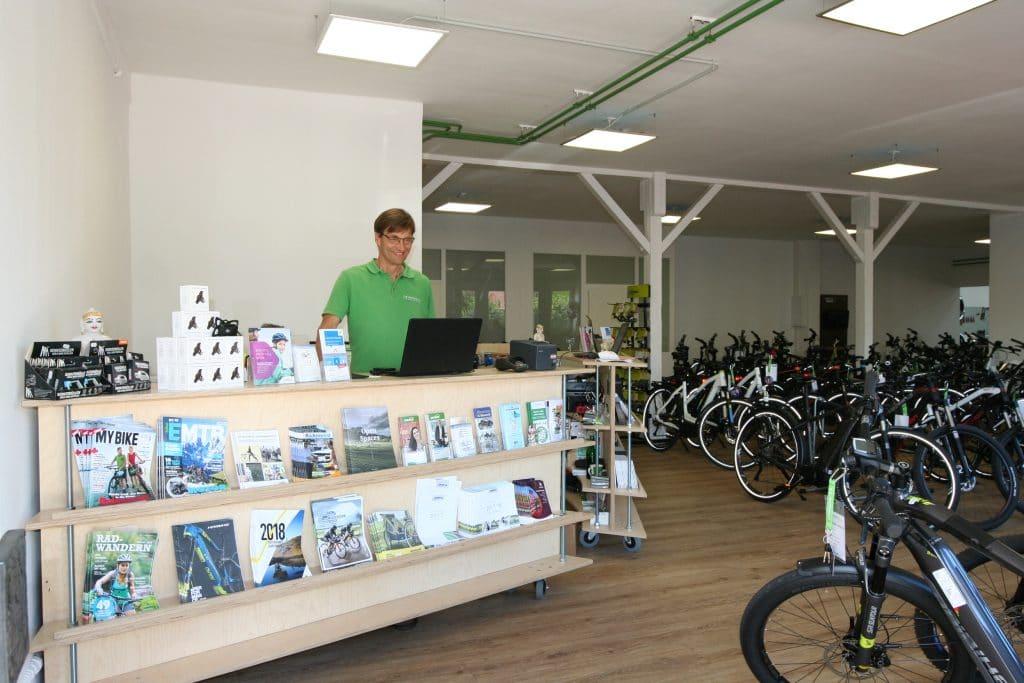 Deine e-Bike Experten der e-motion e-Bike Welt Bonn freuen sich auf deinen Besuch