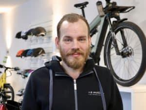 • Wandelndes e-Bike Lexikon <br>• Fährt mit dem e-Bike zur Schulung nach Hannover