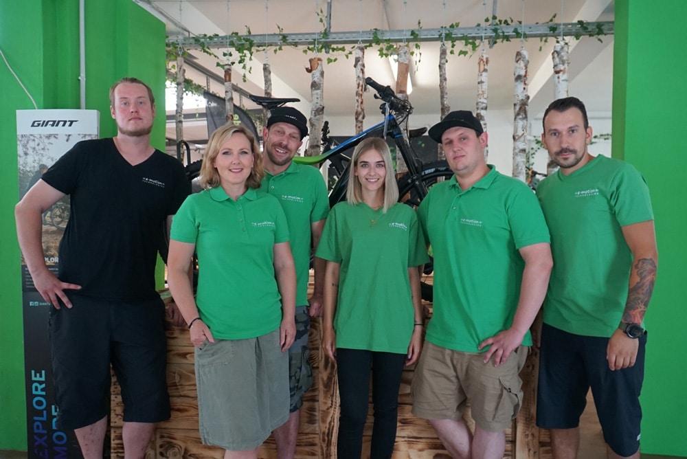 Das Team der e-motion e-Bike Welt Halver berät dich gerne vor Ort