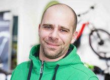 • Experte für Leasing & Finanzierung <br>• 15 Jahre Branchenerfahrung <br>• begeisterter Fahrradfahrer bzw. e-Bike Fahrer <br>• hat seine Leidenschaft zum Beruf gemacht