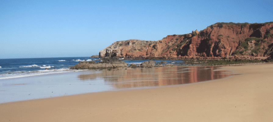 Strand an der Algarve in Portugal