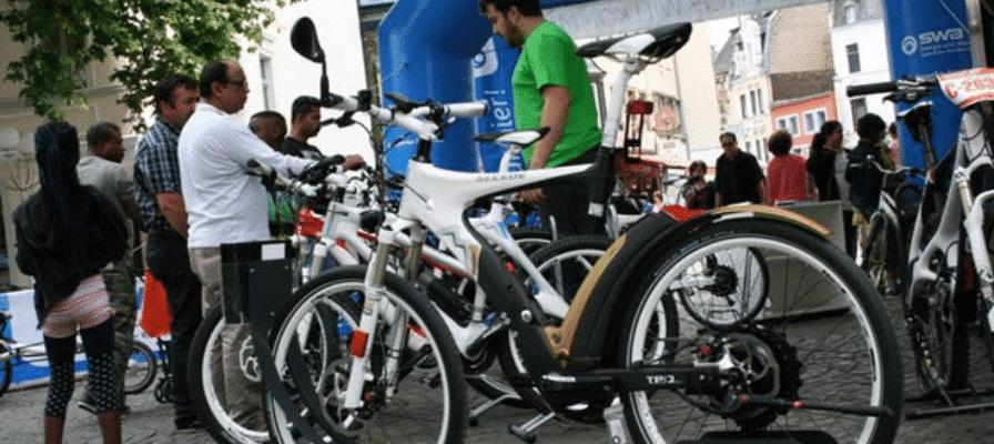 e-motion Stand am Tag der Elektromobilität in Bonn