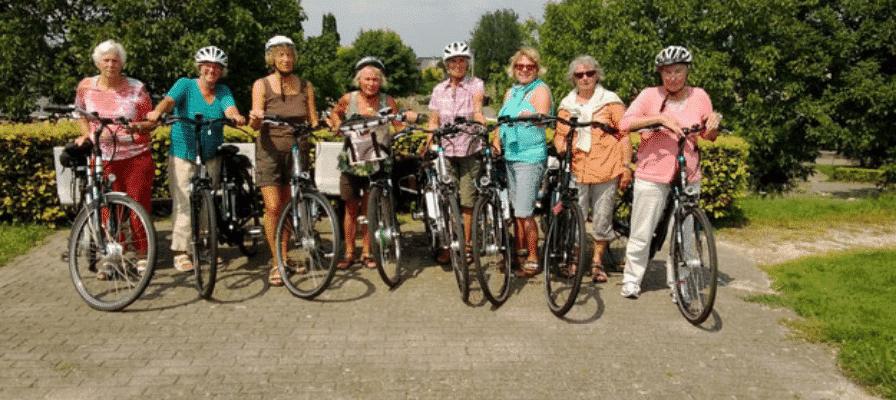Seniorinnen bei e-Bike Tour