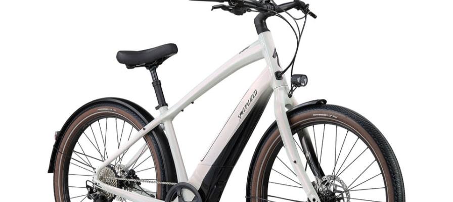 Weißes Turbo e-Bike von Specialized