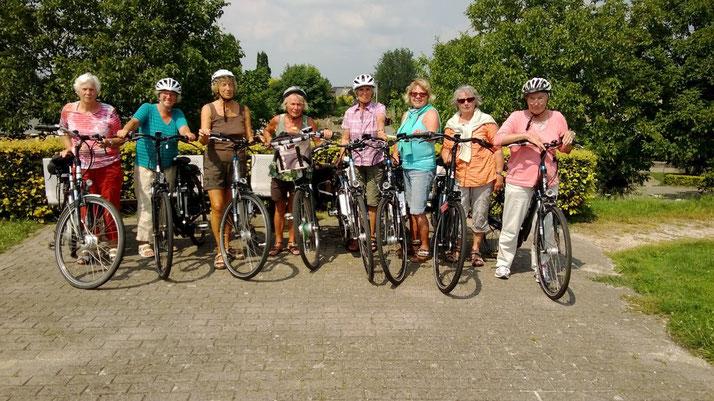 Zufriedene Kunden der e-Bike Mietflotte in Kleve