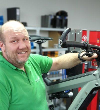 """Rüdesheimer Urgestein… wurde mit Fahrrad geboren - """"born to be bike"""""""