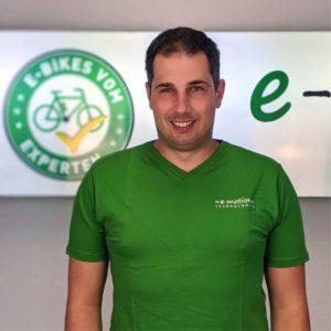 Sebastian Korthaus ist Teamleiter des Marketings in der Zentrale von e-motion