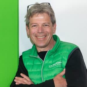 • Passionierter e-Biker<br> • e-Mobilitätsfan<br> • liebt anspruchsvolle Trails in den Bergen<br> • e-Mountainbiken heißt für mich: Kopf aus, Natur und Trail an