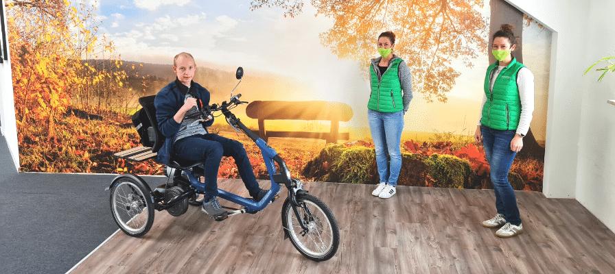 Übergabe des Van Raam Easy Riders an einen Dreiradkunden in Fuchstal