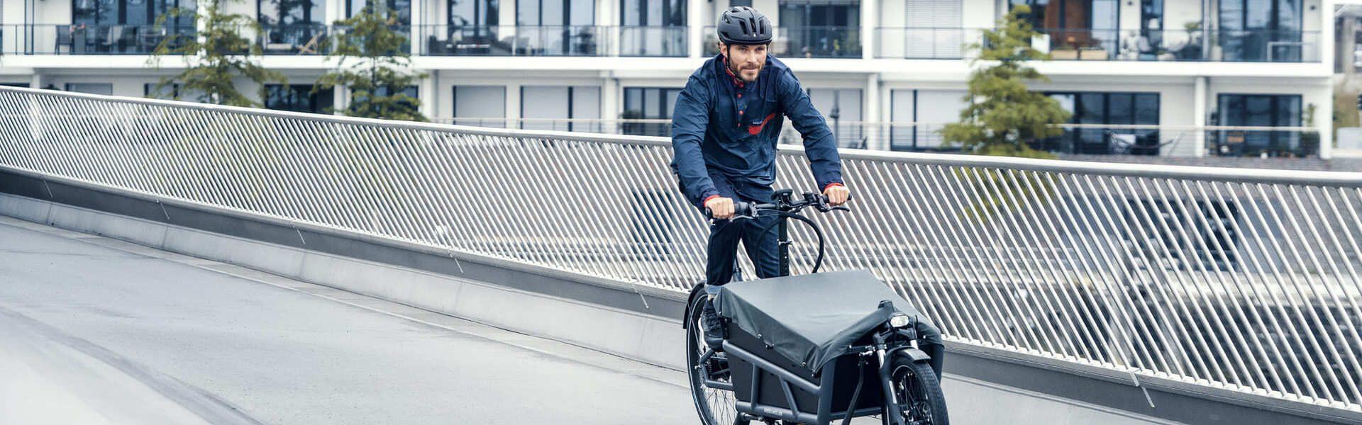 Riese & Müller Lasten e-Bike auf Straße